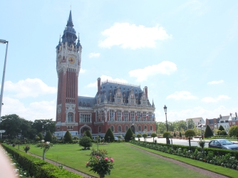 Calais town hall and beautiful gardens