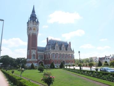 Calais town hall and beautiful gardens
