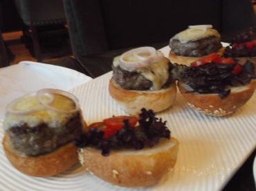 Oscar House sliders